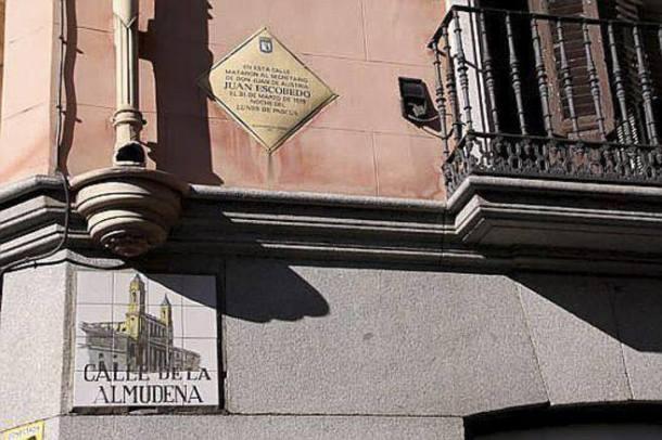 CALLE DE LA ALMUDENA ESQUINA MAYOR