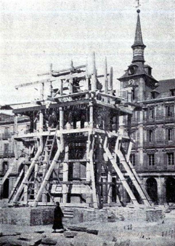 plaza mayor 1848 colocacion de la estatua de felipe III