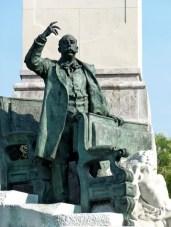 monumento a emilio castelar 1.jpg