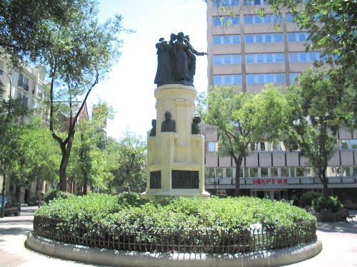 monumento a los chisperos 4.jpg