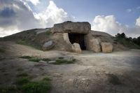 dolmenes de antequera.jpg