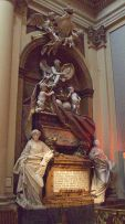Mausoleo_de_Fernando_VI_de_España_(Madrid)_01.jpg