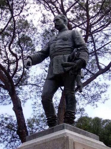 estatua-del-general-cassola-mariano-benlliure-parque-del-oeste