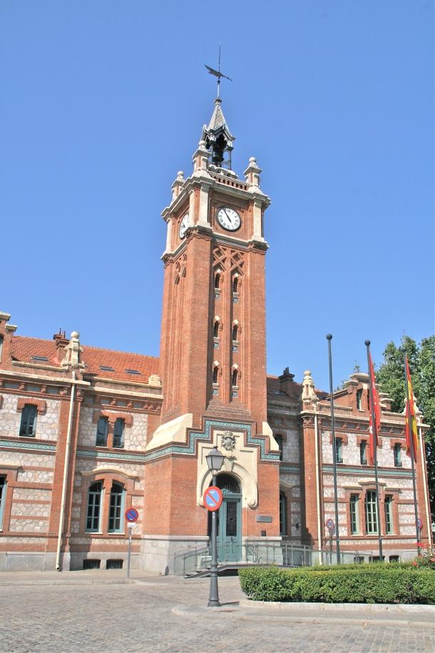 Torre_del_Reloj_-_Pabellón_de_Servicios_Generales_-_Matadero.jpg