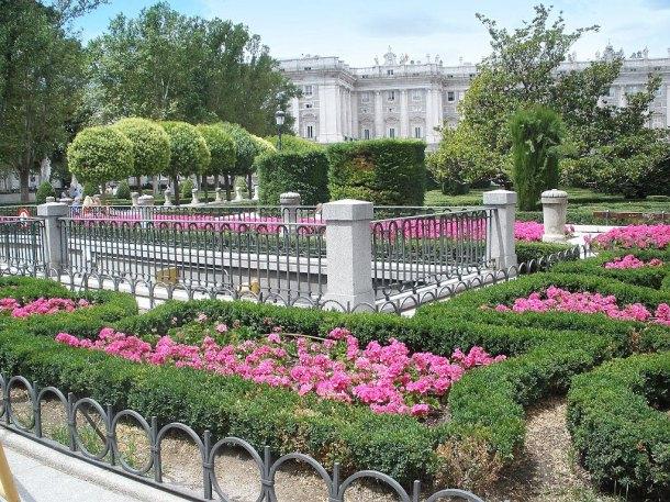 jardines plaza de oriente