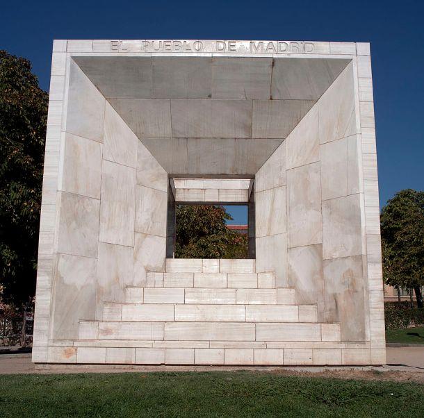Monumento-constitucion-madrid.jpg